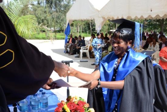 7 elever tog examen från medialinjen.
