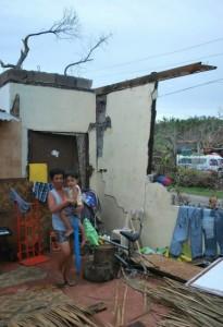 Till helt förstörda hus räknas de som även har fått väggarna raserade och behöver byggas upp från grunden. Foto: Andreas Pettersson