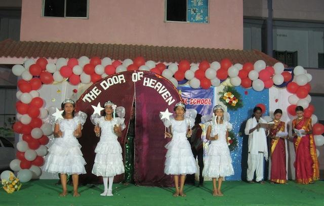 Eleverna uppträdde under jubileumet. Foto: Kenneth Grönroos
